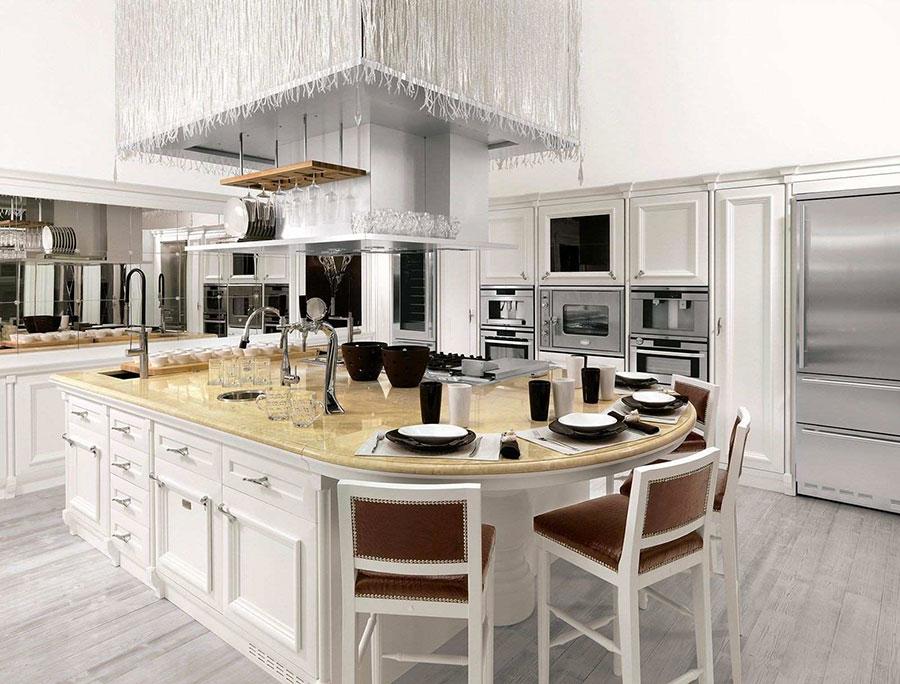 Modello di cucina classica con isola centrale di Brummel n.07