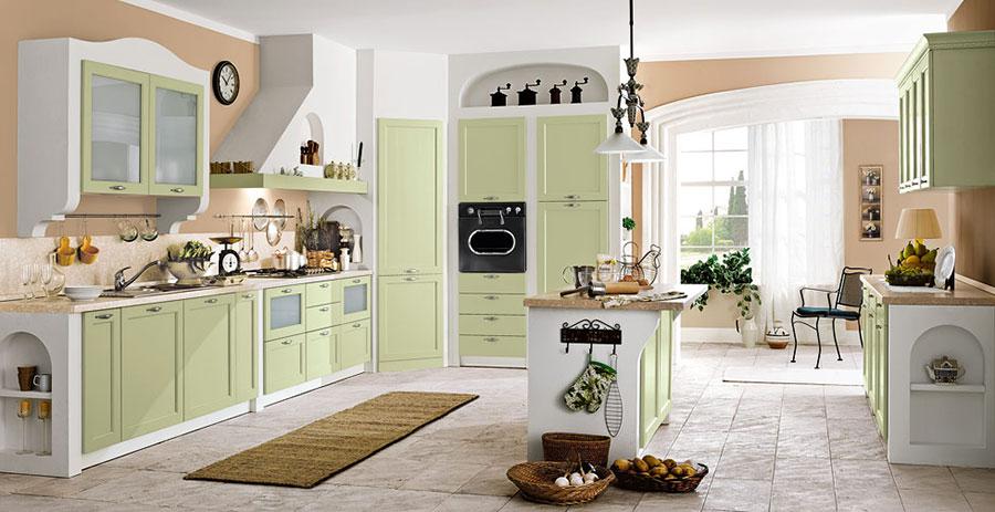 Modello di cucina classica con isola centrale di Gory Cucine n.03