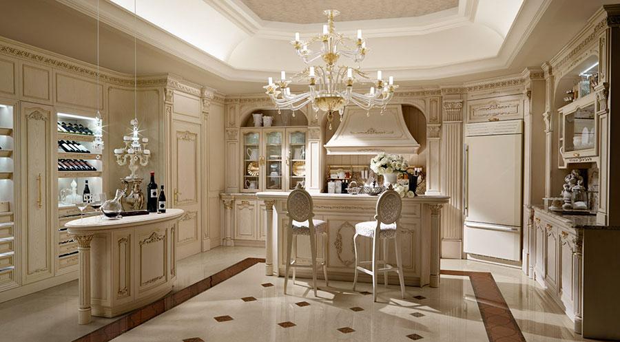 Modello di cucina classica con isola centrale di Martini n.02