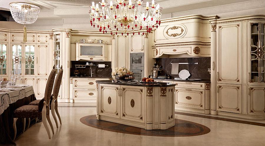Cucine classiche con isola centrale 43 modelli delle for Cucine moderne lusso