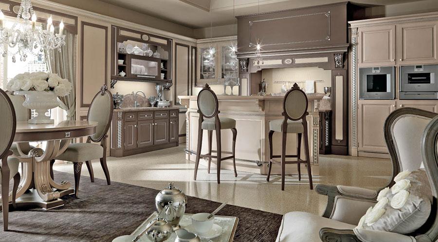 Modello di cucina classica con isola centrale di Martini n.05