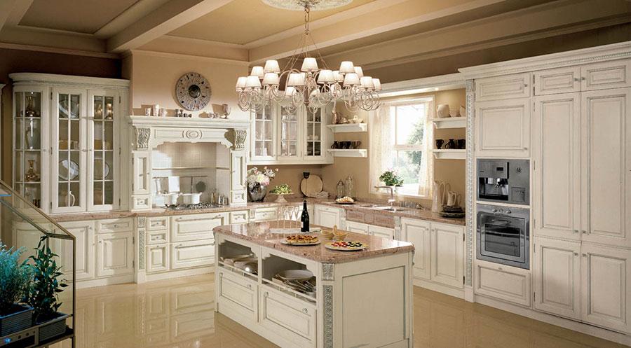 Modello di cucina classica con isola centrale di Martini n.07