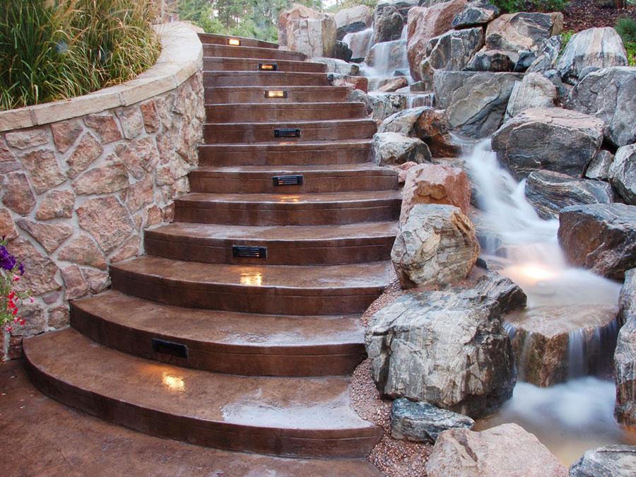 22 fantastiche idee per scale esterne moderne for Scale esterne in pietra