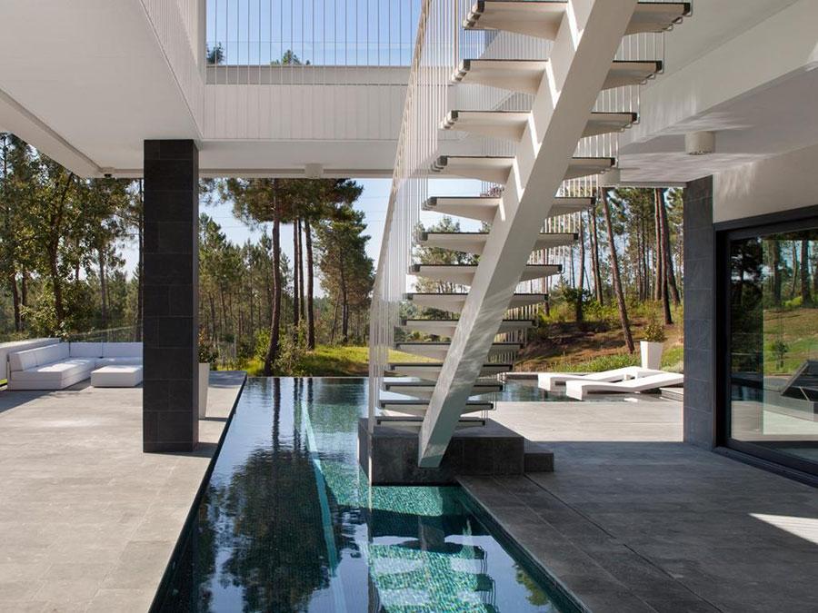 Modello di scala esterna per villa moderna n.07