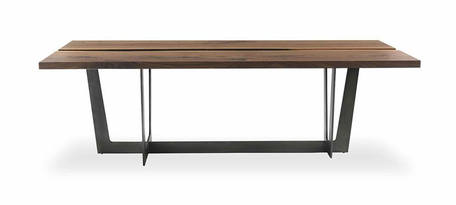 Modello di tavolo industrial Rialto di Riva