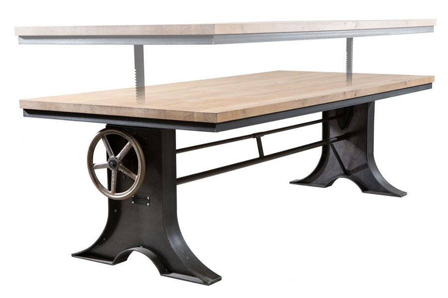 Modello di tavolo industrial Antico di Sturdy Legs n.1