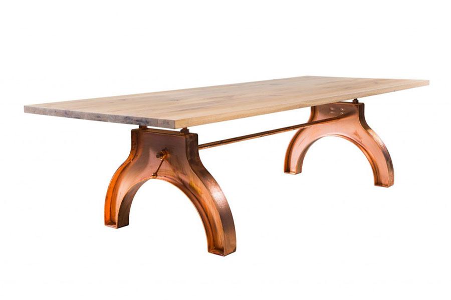 Modello di tavolo industrial Antico di Sturdy Legs n.10