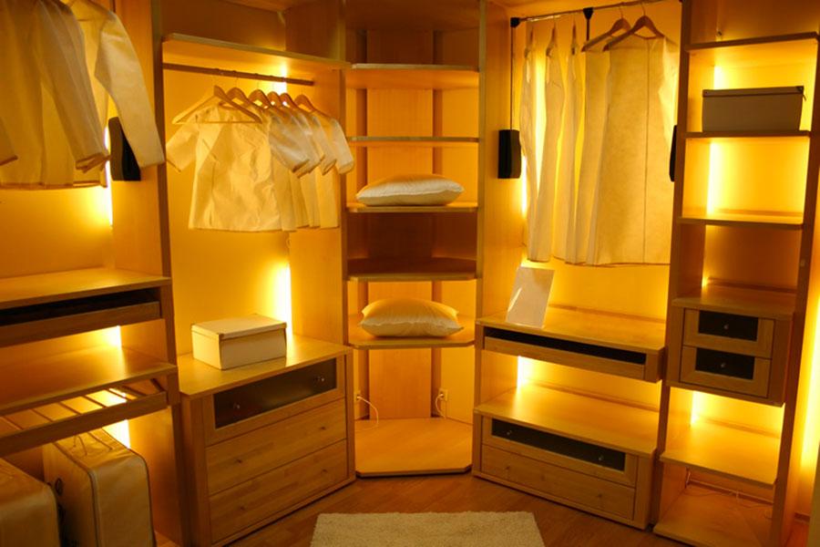 Illuminazione per cabina armadio n.01