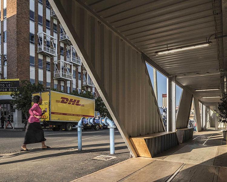 Foto del condominio costruito con container n.06
