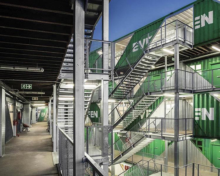 Foto del condominio costruito con container n.07
