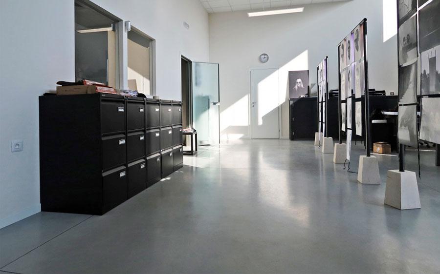 Modello di pavimento in cemento spatolato n.06