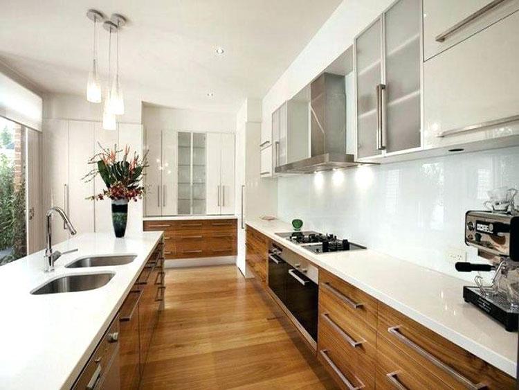 Composizione a isola per una cucina stretta e lunga 03
