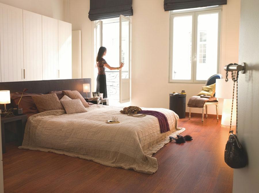 Pavimento in laminato per camera da letto n.2