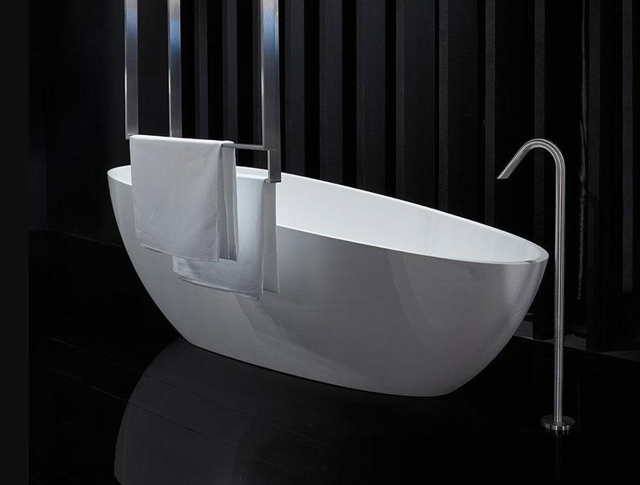 Vasca da bagno a libera installazione di Rifra n.01