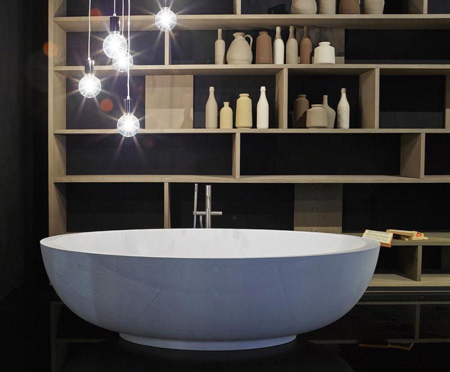 Vasca da bagno a libera installazione di Rifra n.04