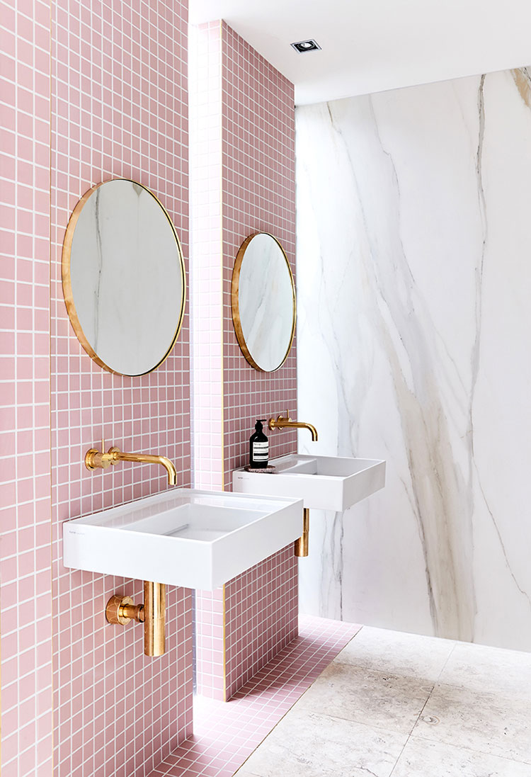 Arredi per bagno rosa 03