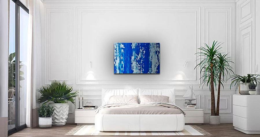 Camera da letto con pareti bianche n.3