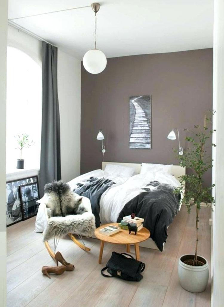 Camera da letto con pareti color tortora n.3