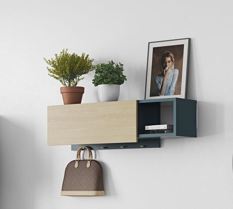 Modello di appendiabiti da parete in legno con mensola n.01