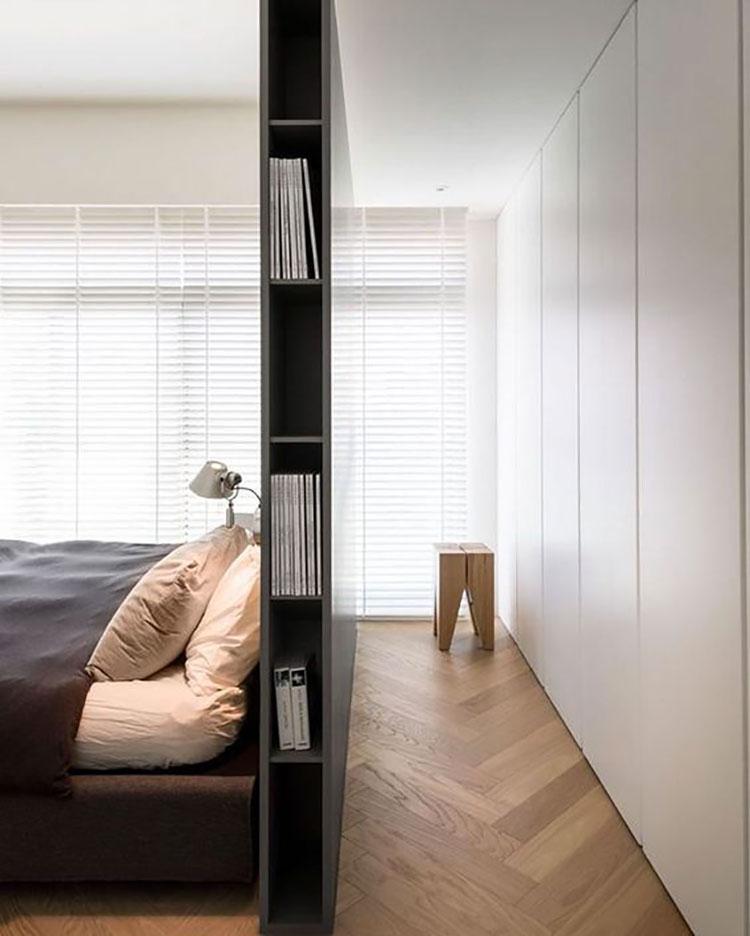 Idee per creare una cabina armadio dietro al letto n.05