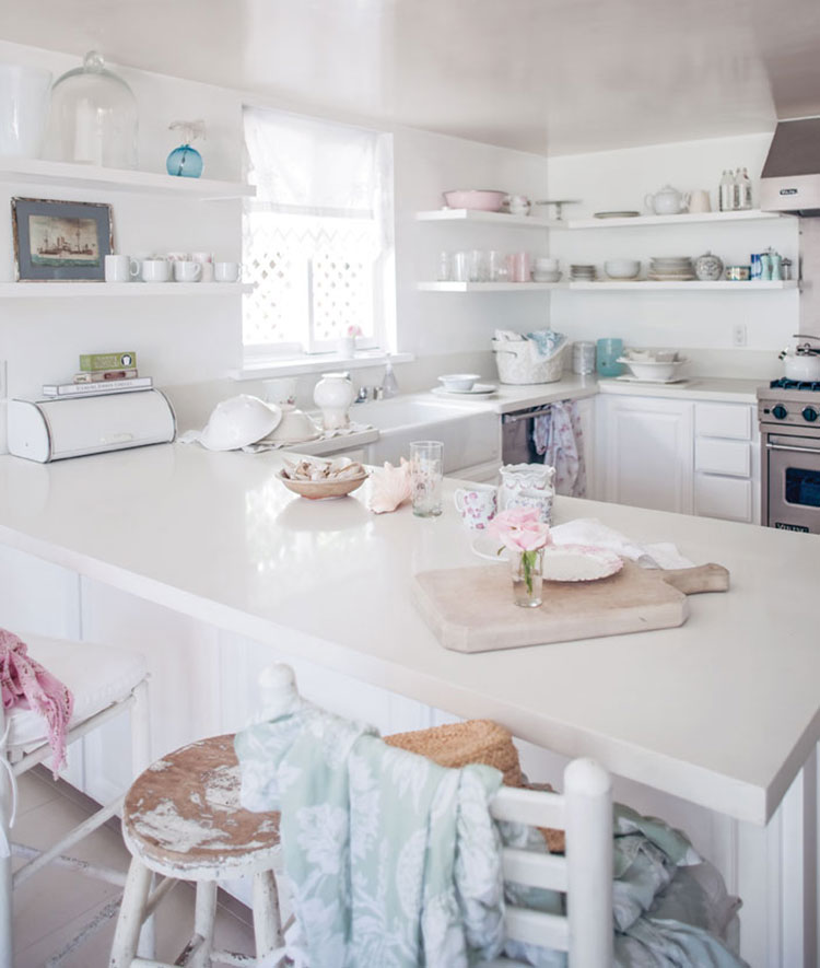 Come arredare la cucina di una casa al mare shabby chic 2