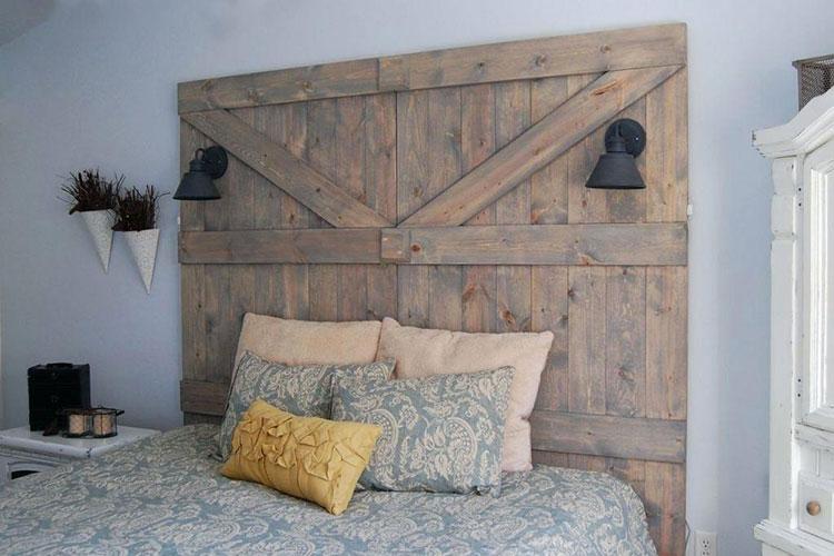 Testiera letto fai da te in legno 2