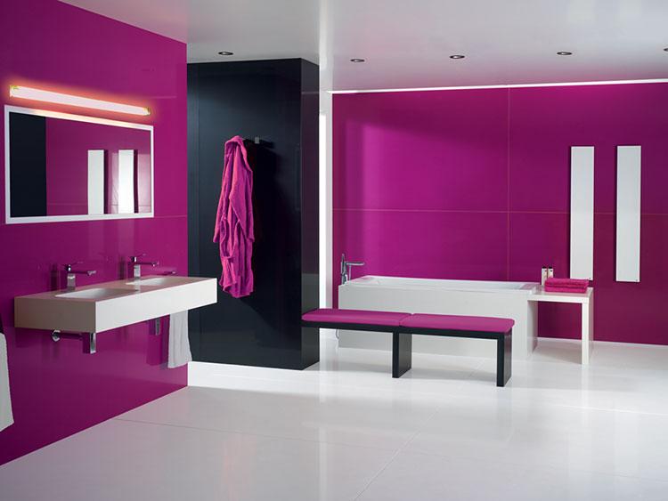 Come utilizzare il color magenta in bagno