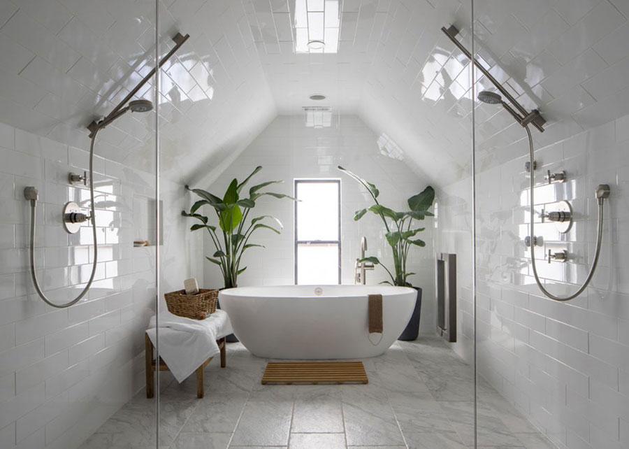 Quali colori scegliere per un bagno in mansarda 2