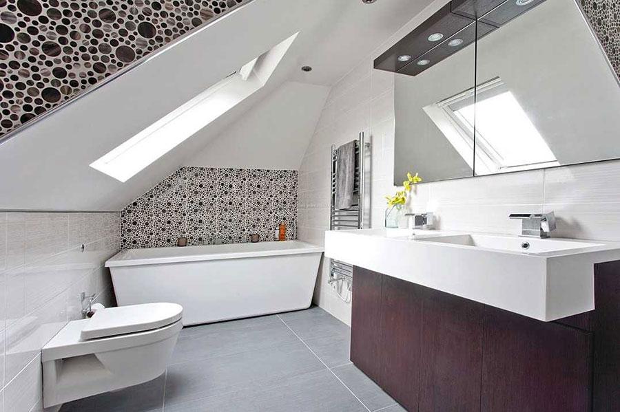 Progetto di un bagno in mansarda 2