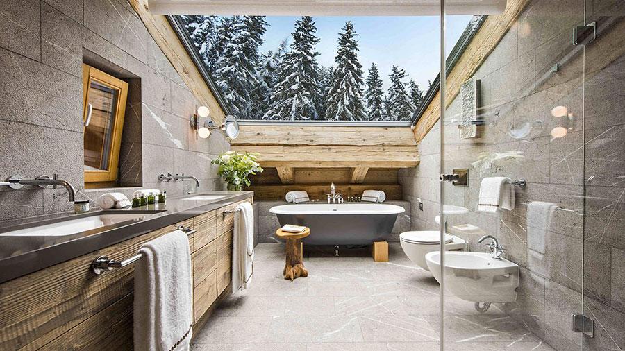 Progetto di un bagno in mansarda