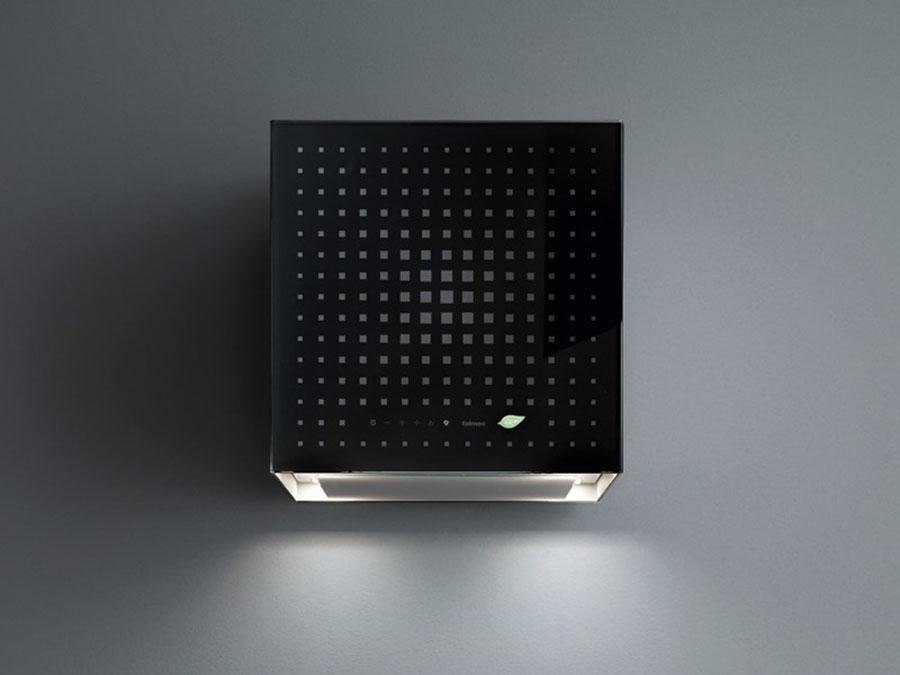 Modello di cappa per cucina a parete Falmec Rubic e-ion