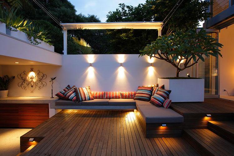 Idee per abbellire un terrazzo con le luci n.1
