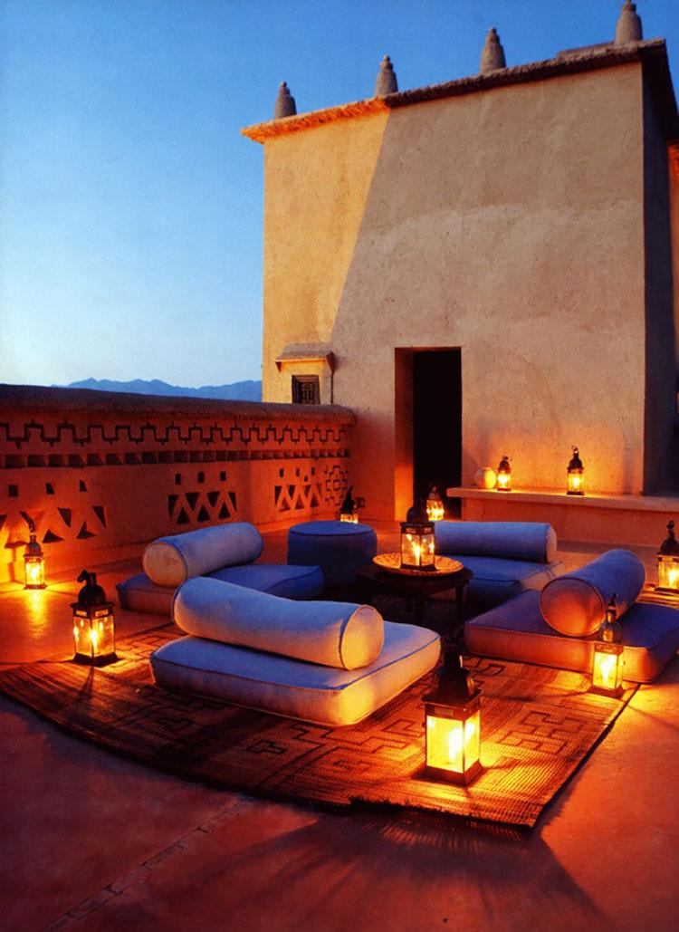 Idee per abbellire un terrazzo con le luci n.7