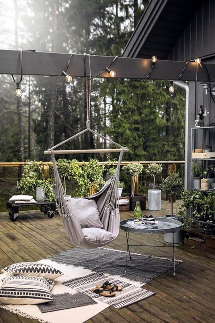 Idee per abbellire un terrazzo con tessuti n.1