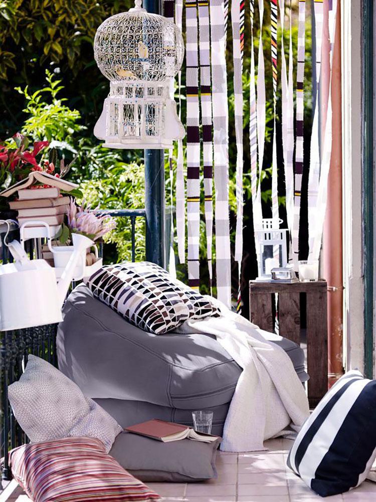 Idee per abbellire un terrazzo con tessuti n.3