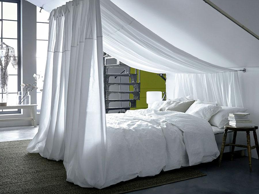 Idee per arredare la camera da letto in mansarda con Ikea n.01