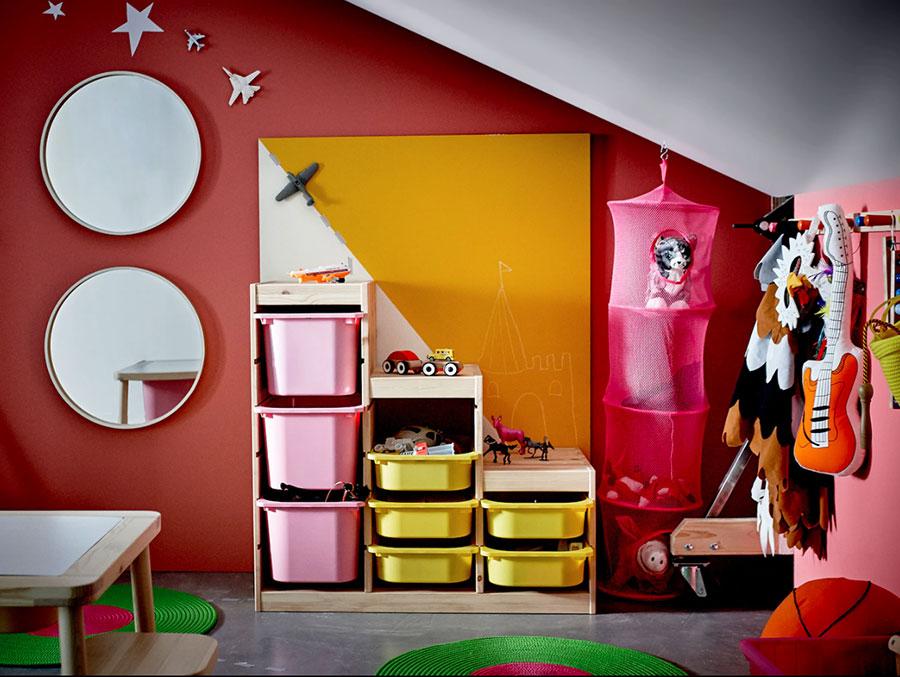 Idee per arredare la cameretta in mansarda con Ikea n.04