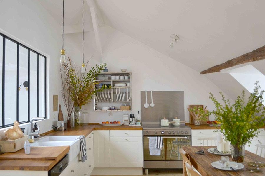 Idee per arredare la cucina in mansarda con Ikea n.03
