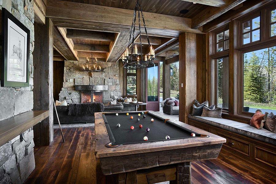 Idee per arredare una taverna rustica con sala giochi 1