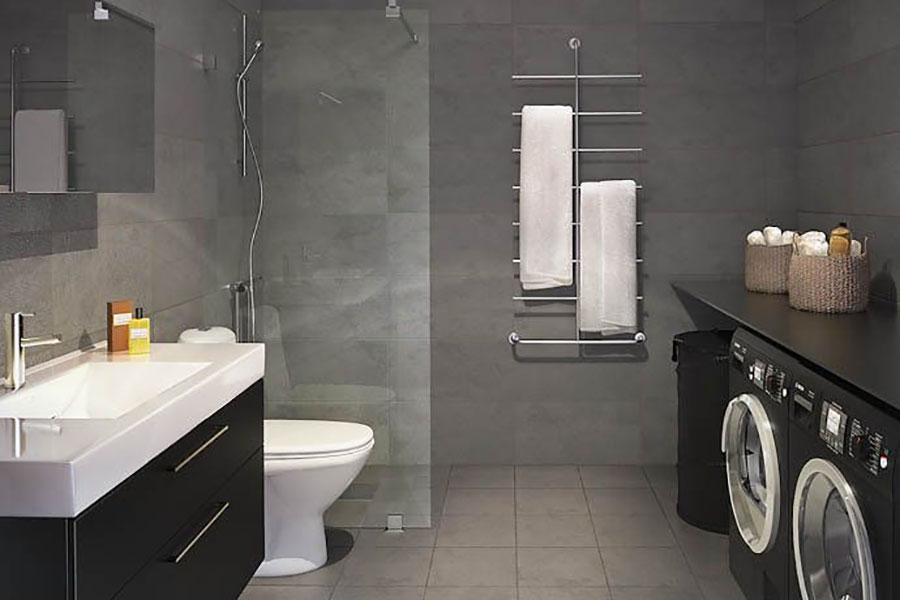 Idee per creare un bagno con lavanderia incassata n.2