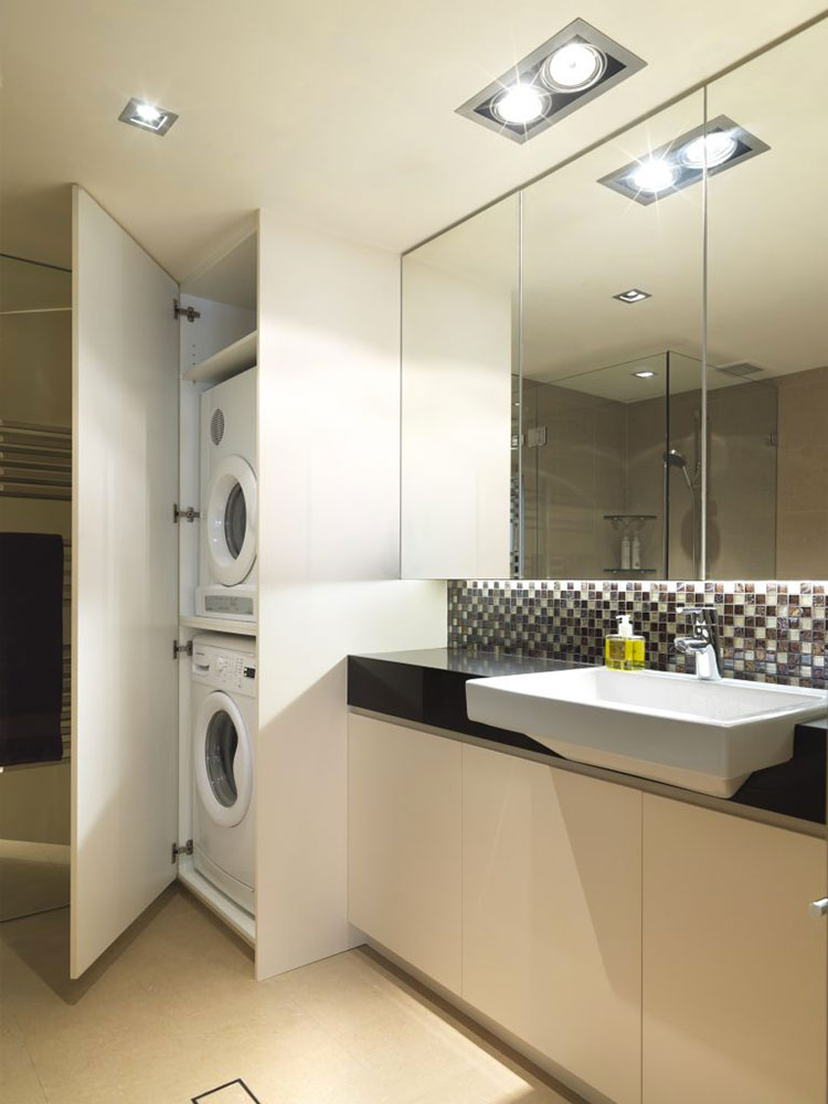 Idee per creare un bagno con lavanderia nascosta n.1
