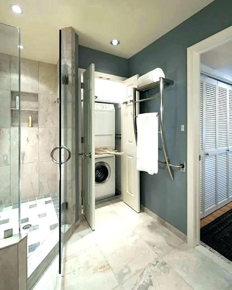 Idee per creare un bagno con lavanderia nascosta n.4