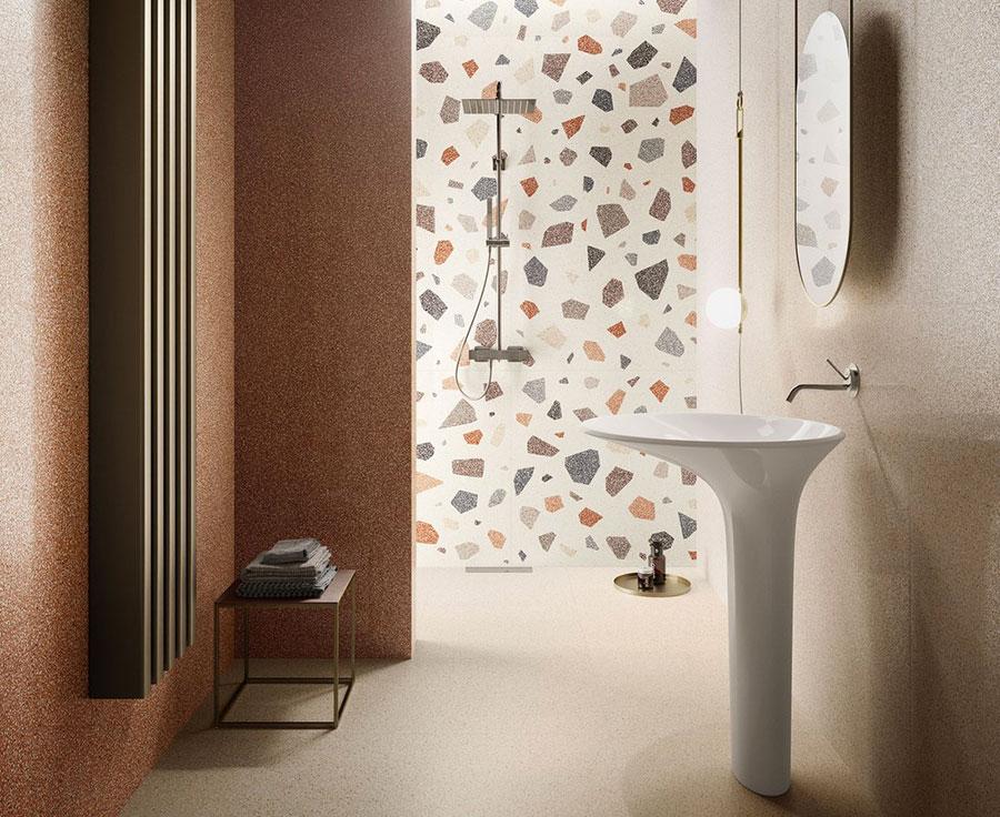 Idee per bagno con pareti marroni 02