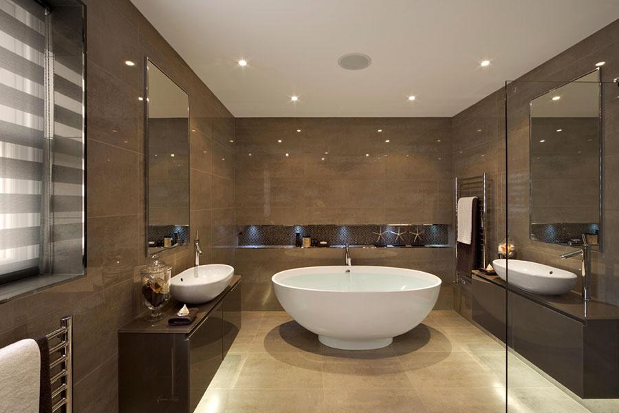 Idee per bagno con pareti marroni 07