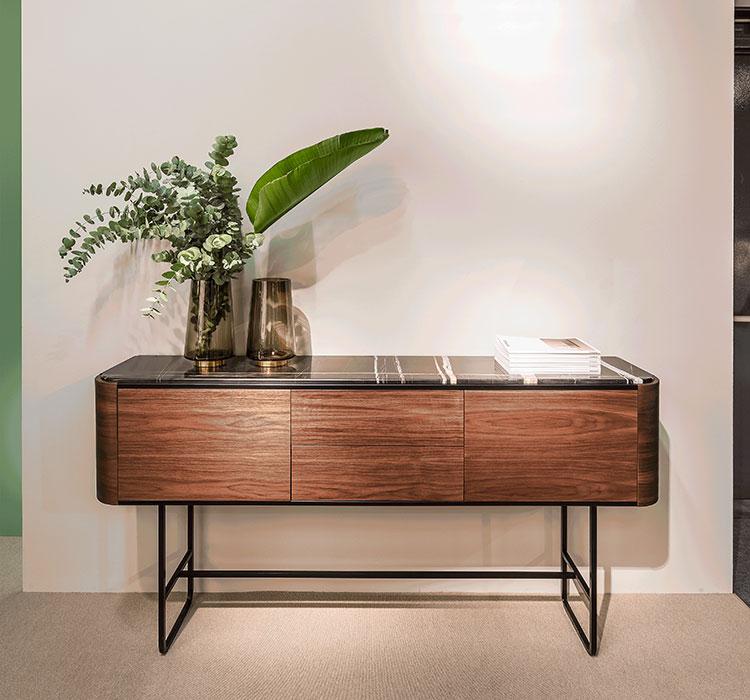 Modello di consolle per ingresso vintage di design n.04