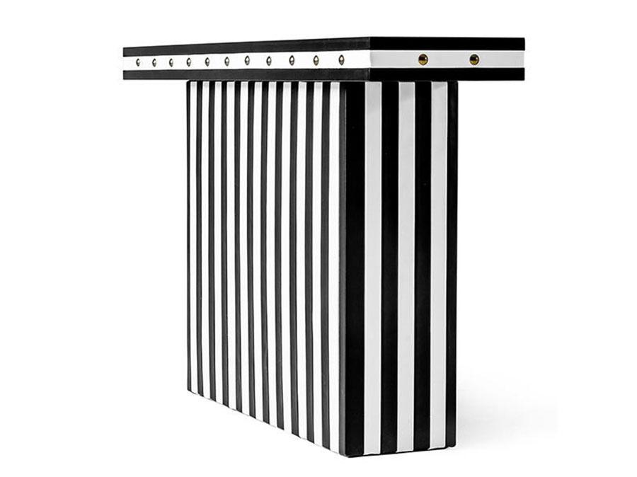 Modello di consolle per ingresso vintage di design n.06