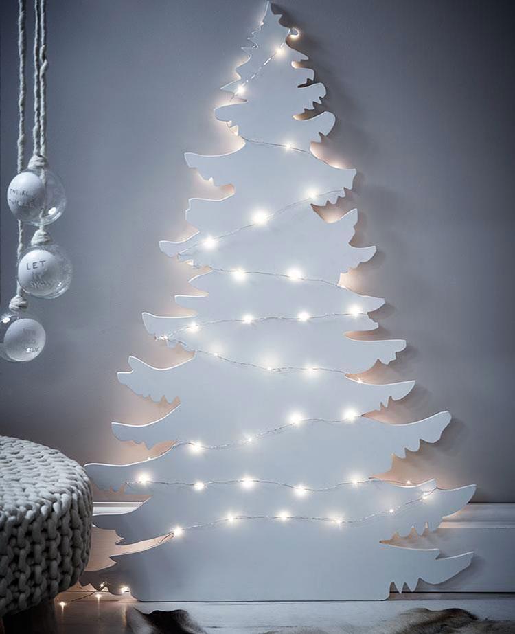 Modello di albero di Natale moderno in legno n.05