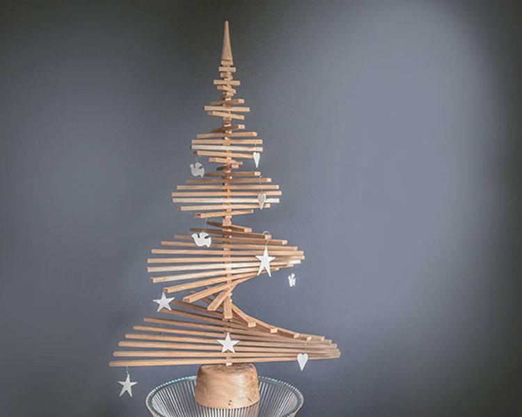 Modello di albero di Natale moderno in legno n.06