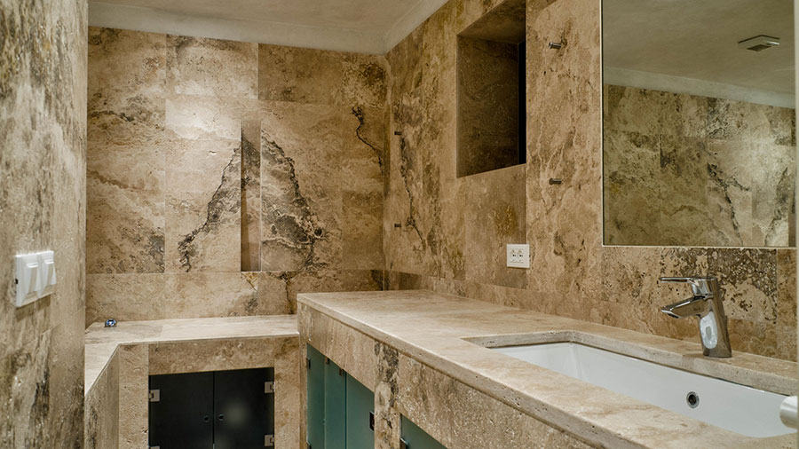 Bagno in travertino 03