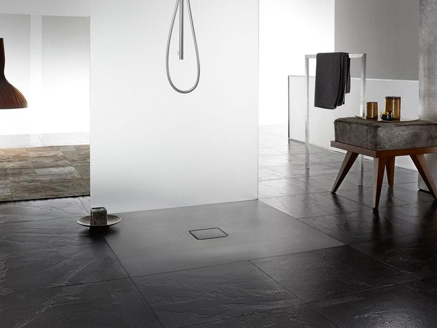 Modello di doccia a filo pavimento n.03